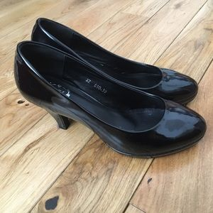 Shoes - Black pumps